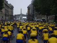 Étape finale : arrivée des jeunes sur les Champs-Élysées le 27 juillet 2008