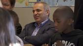 Visite de Kasparov dans une école et un collège